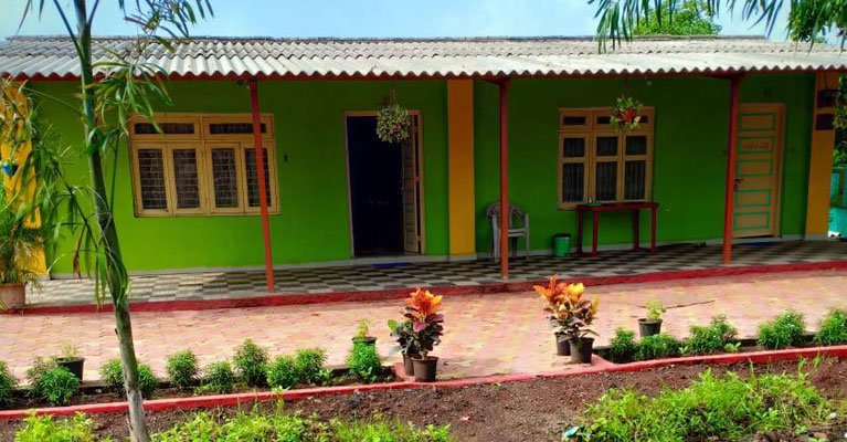 Farmhouse In Badlapur Near Mumbai Thane Karjat For Family Picnic Spot